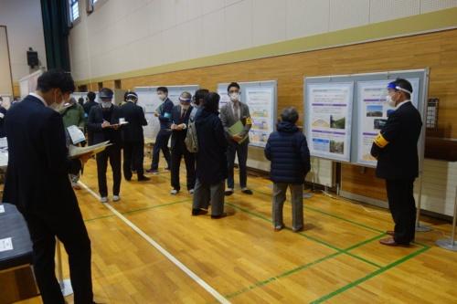 鉄道建設・運輸施設整備支援機構と札幌市は、要対策土の受け入れについて住民の理解を得るため「オープンハウス」を開催。写真は2020年11月に手稲山口地区で開いたオープンハウスの様子(写真:鉄道建設・運輸施設整備支援機構)