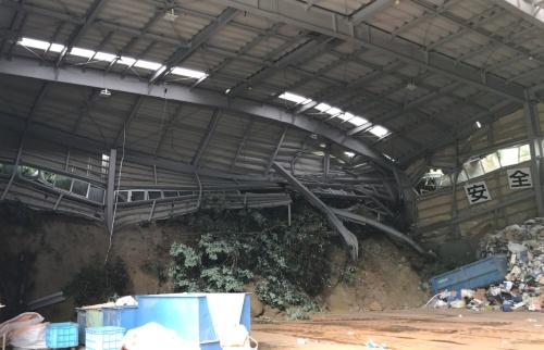 土砂が流入した工場(写真:長野県土尻川砂防事務所)
