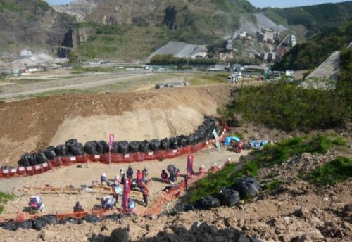 長崎県がホームページで「工事妨害状況」と紹介している建設現場写真。2021年4月末時点(写真:長崎県)