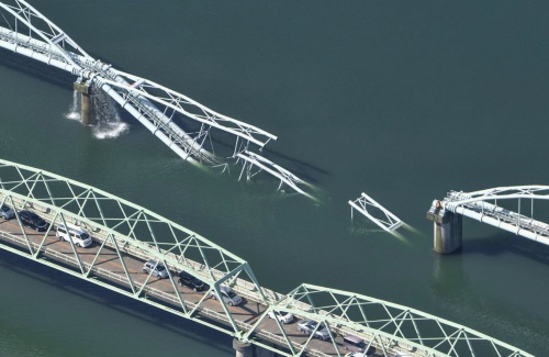 崩落した六十谷水管橋の様子。2021年10月4日午前9時41分に撮影(写真:共同通信社)
