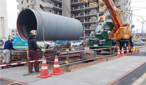 大口径配水管の更新の様子(写真:大阪市)