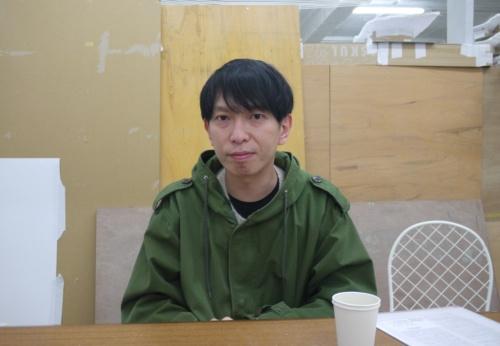 2月25日、本誌の取材に応じた石上純也氏。1974 年神奈川県生まれ。東京芸術大学大学院修士課程を修了し、SANAAに勤務後、2004 年に事務所を設立。国内外でプロジェクトを手掛ける(撮影:菅原 由依子)