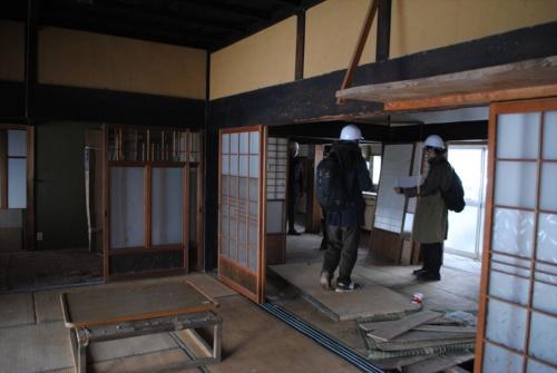 現状の古民家の室内(写真:納谷建築設計事務所)