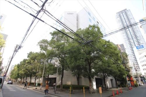 日建設計大阪オフィスの外観(写真:日経アーキテクチュア)