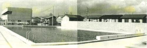 プール竣工当時の写真によって、プールと同時にブロック塀が設置されていたことが判明した。写真は、国庫補助金申請関係書類から発見された(資料:高槻市学校ブロック塀地震事故調査委員会の調査報告書)