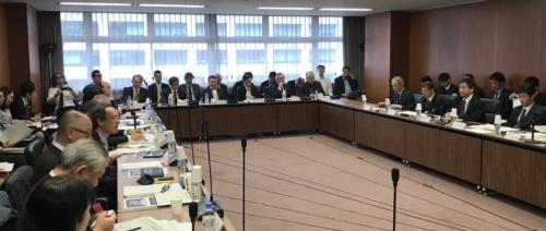 国土交通省が2018年12月3日に開催した社会資本整備審議会建築分科会建築環境部会(写真:日経 xTECH)