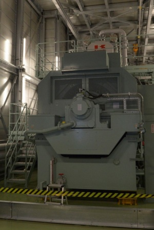 「日本橋エネルギーセンター」に設けた発電装置(写真:日経アーキテクチュア)