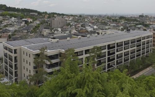 大京が販売する分譲マンション「ライオンズ芦屋グランフォート」。地下1階・地上5階の鉄筋コンクリート造。総戸数は79戸(写真:生田 将人)