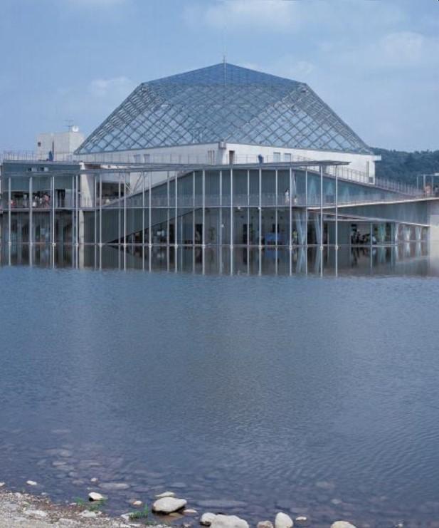 栃木県なかがわ水遊園(2001年竣工)(写真:寺尾 豊)
