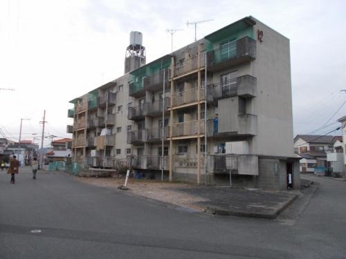 既存の旧12号棟の外観。建て替えによって、建物の老朽化に対応し、居住性能の改善などを図る(写真:徳島県)