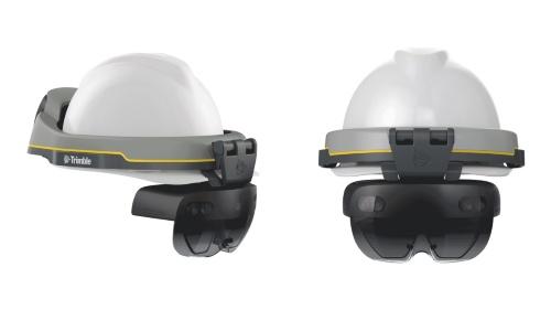 ヘルメットとHoloLens 2が一体化したTrimble XR10。騒音環境でも音や声が聞こえやすい骨伝導ヘッドセットが付属する(写真:ニコン・トリンブル)