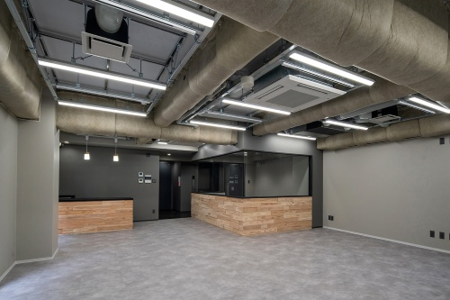 2時間耐火仕様の3階事務所の内観(写真:三菱地所設計、久保工)