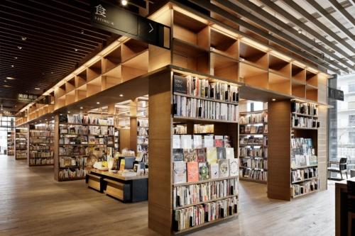 書架で囲まれた小部屋が連続する空間1(写真:カルチュア・コンビニエンス・クラブ)