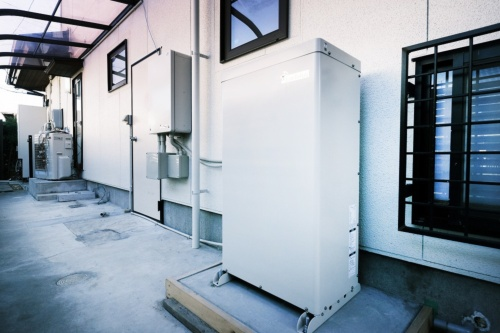 田淵電機製の蓄電池(写真:OMソーラー)