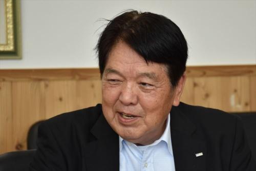 ポラテックの北大路康信専務取締役。1972年東京大学農学部林学科卒業、ニチメン入社。同社木材部部長を経て、1998年にポラテック入社。プレカット部長を務めた後、現職(写真:日経クロステック)