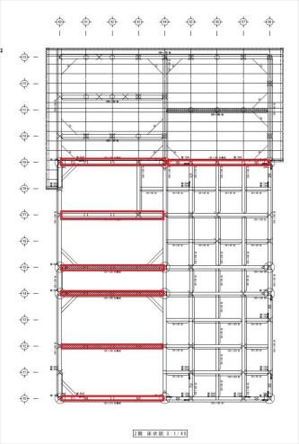 全ての梁をスギのJAS材で設計した木造2階建て住宅の2階床伏せ図。赤で囲った計7本の梁に、梁せい240~360mmのスギ集成材を用いた(資料:福登建設)