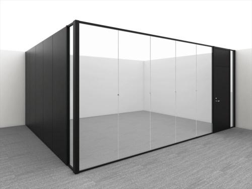 大林組とコクヨが開発した連装ガラスパーティション。ガラス面が枠で分割されないので開放性が高くすっきりした印象を与える(写真:大林組)