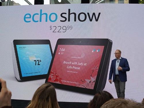 画面が大型化した第2世代の「Echo Show」