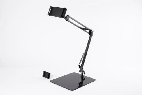 サンコーの「超安定モバイルディスプレイ&タブレットスプリングアームスタンド」。アームライトのようなアームを持ち、耐荷重は約700グラムだ