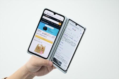 2画面をそれぞれ独立させてアプリを利用できる。商品の価格比較サイトを見ながら、ショッピングサイトで購入するといった使い方が可能だ