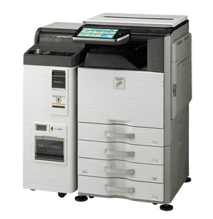 シャープ製のマルチコピー機「MX-3610DS」。コピー、普通紙プリンター、スキャナー、FAX、昇華型プリンター、Wi-Fiルーター、各種メディアリーダー、NFCリーダーなどを内蔵している