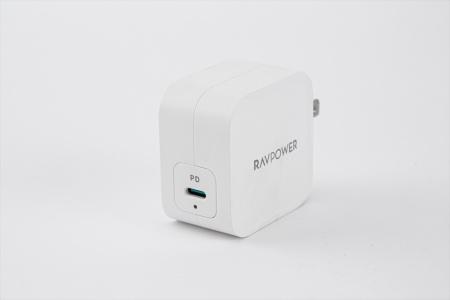 中国サンバレー・グループ(Sunvalley Group)がRAVPowerブランドで販売する「RP-PC112」は出力61ワットの充電器