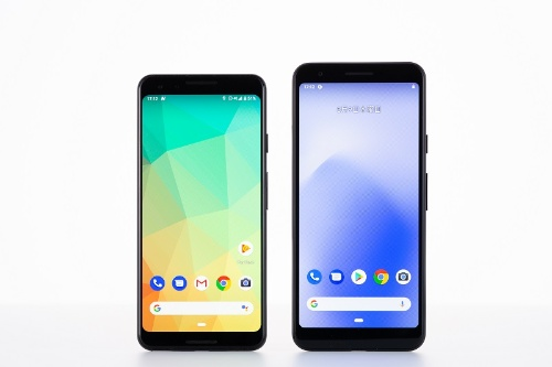 Pixel 3(左)とPixel 3a(右)の比較。Pixel 3aの方が若干縦に長く、横幅も広い