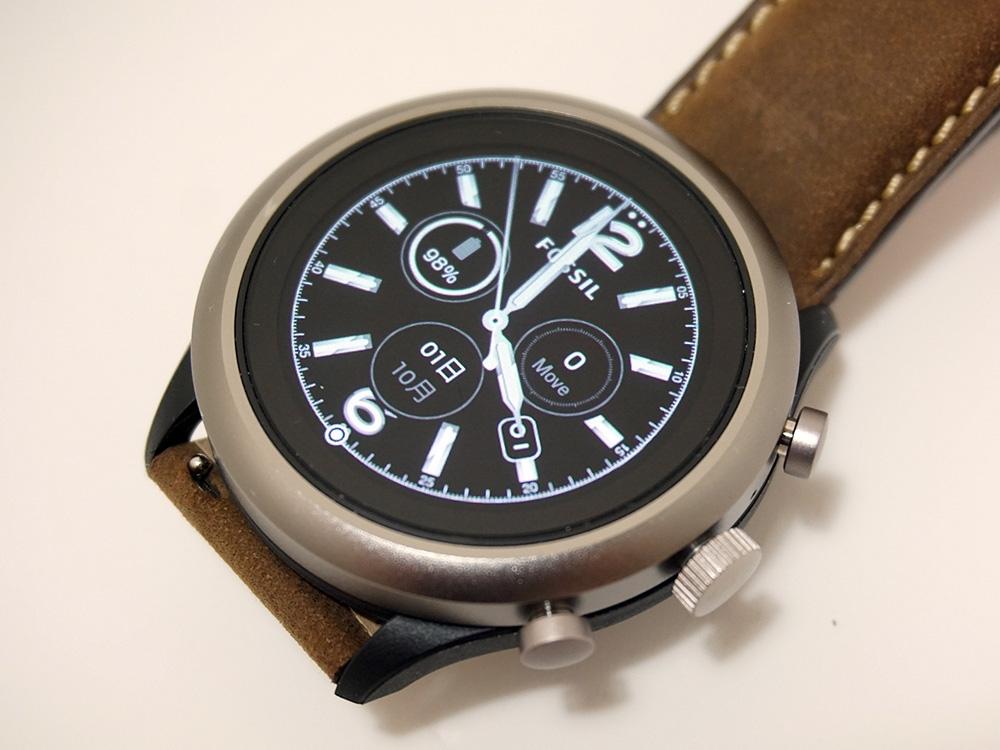 非常にシンプルなデザインを採用。しかし正直なところ、980円の時計と言われても不思議はないかもしれない