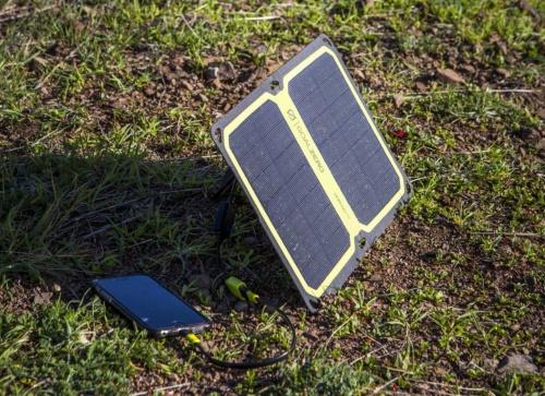 米ゴールゼロのソーラー発電パネル「Nomad 7 Plus V2 Solar Panel」。日本の代理店はアスク。通販サイトでの実売価格は約1万5000円(税込み)