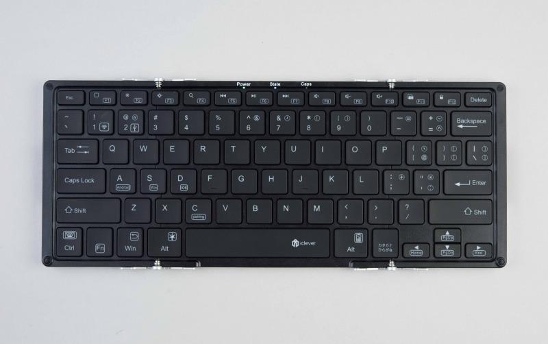 手書きと併用するのは「iClever IC-BK05」。アマゾンで5299円(税込み)だった。フルサイズなので打ちやすい