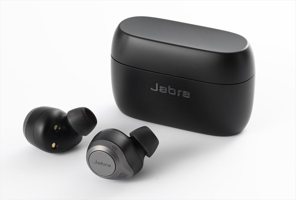 アクティブ・ノイズ・キャンセリング(ANC)対応で半密閉型の完全ワイヤレスイヤホン「Jabra Elite 85t」。従来モデルの「Jabra Elite 75t」「Jabra Elite Active 75t」もファームウエアアップデートによってANC対応になった (出所:スタジオキャスパー、記載のないものは以下同)