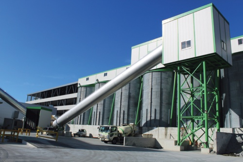 〔写真2〕自社所有の5工場のデータを整備