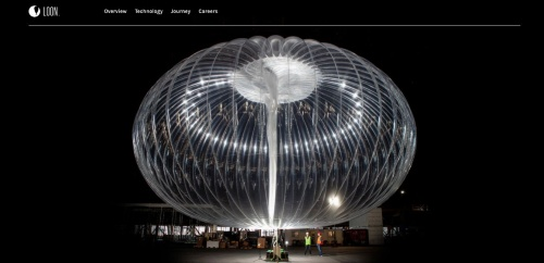 高度2万メートルの成層圏に気球を配置し、地上に電波を発信してインターネット接続環境を構築する