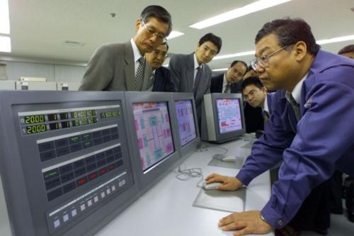 航空大手と運輸省は9月に2000年を模擬的に迎えてコンピュータシステムの動作を確認するデモンストレーションを実施した。