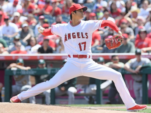 """ロサンゼルス・エンゼルスの""""リアル二刀流""""、大谷翔平選手。米国の野球ファンにも大注目の存在だ"""