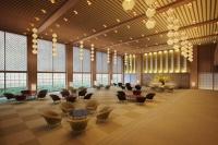 オークラ東京の「オークラプレステージタワー」内に設置するメインロビーの完成予想パース。谷口吉郎氏の設計による静謐(せいひつ)な空間を再現するため、図面や写真による検証と併せて、光や音の実測データを物差しに設計・施工を進めている(資料:谷口建築設計研究所)