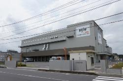 王将フードサービス東松山工場(8月7日撮影)。結露やカビが発生、補修を実施したという。現在は工事を実施している様子はない(写真:池谷 和浩)