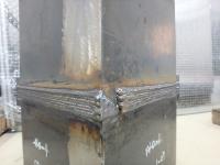鉄骨柱の継ぎ目に「仕切り」を設けてロボットで自動溶接
