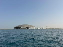 (写真:Roland Halbe、Louvre Abu Dhabi、Architect Jean Nouvel)