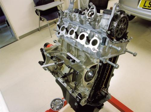図11 直列4気筒TSIガソリンエンジン