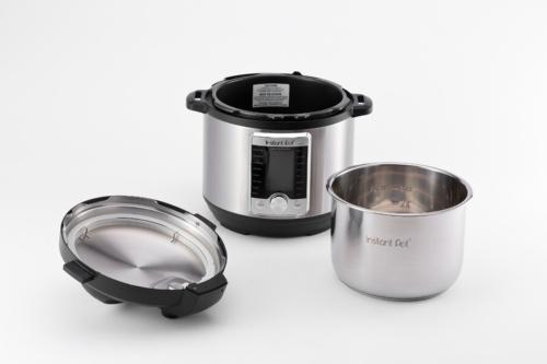 製品は本体とフタ、内鍋に分かれている