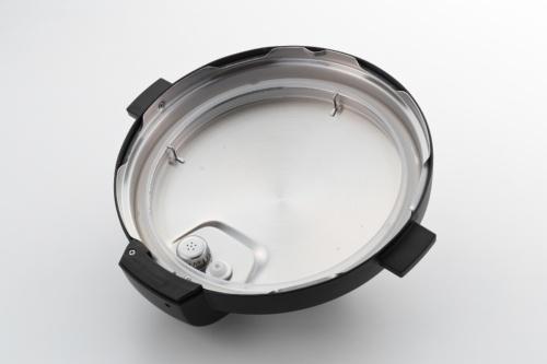 Instant Potのフタの裏側。内ブタがなく、パッキンで直接本体と接するのは珍しいように思う
