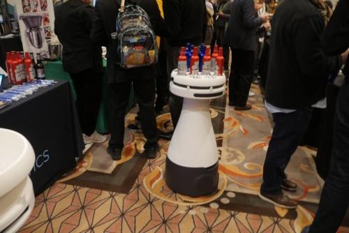 会場で働く米Bear Roboticsのレストランロボット「Penny」