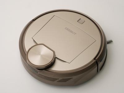 高級そうな外観の「DEEBOT 9」シリーズ「DR95」。中国で好まれそうなカラーは「流光金」とのこと。ダストボックスを隠すフタやスタート(電源)ボタンのデザインはDE35とは異なる
