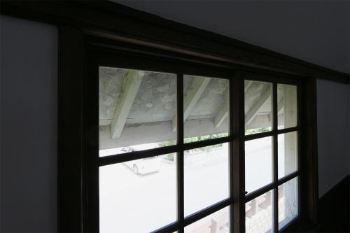 旧雪調庁舎の北西側開口部(撮影:日経 xTECH)