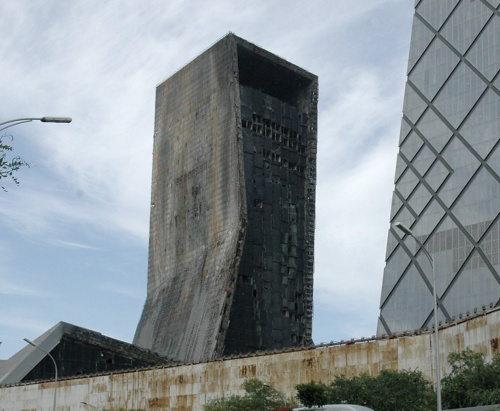 〔写真2〕2時間半で全焼した北京のTVCC