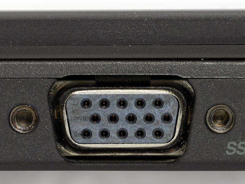 アナログ接続に使われるD-Sub15ピン端子
