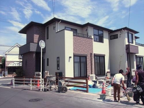 モデルハウス「BISTRO」の外観。設計はポラスガ-デンヒルズ(写真:村田皓)
