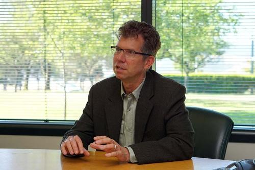 「IBM Research - Almaden」でバイスプレジデント兼ラボディレクターを務めるジェフ・ウェルザー氏