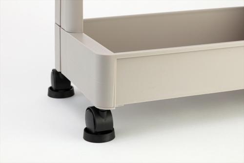 キャスターの下に敷くと、キャスターが動かないように固定できる。直径4センチメートルを下回るサイズのキャスターに対応する